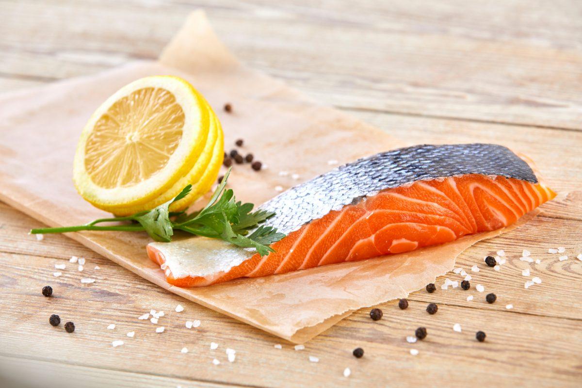 Il salmone, la proteina amica del clima