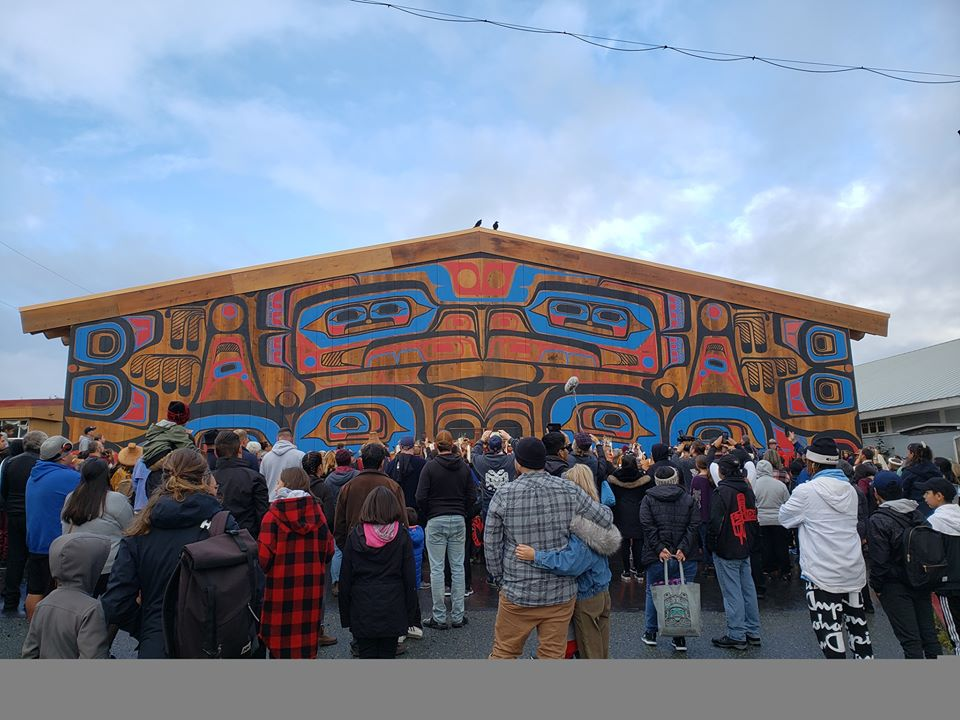 Mowi Gets Students To Heiltsuk Big House Opening